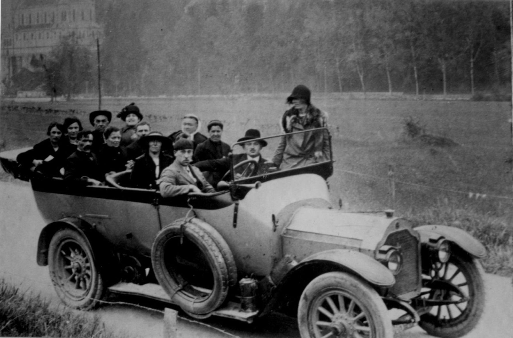 Véhicule de transport collectif, au milieu des années 1920