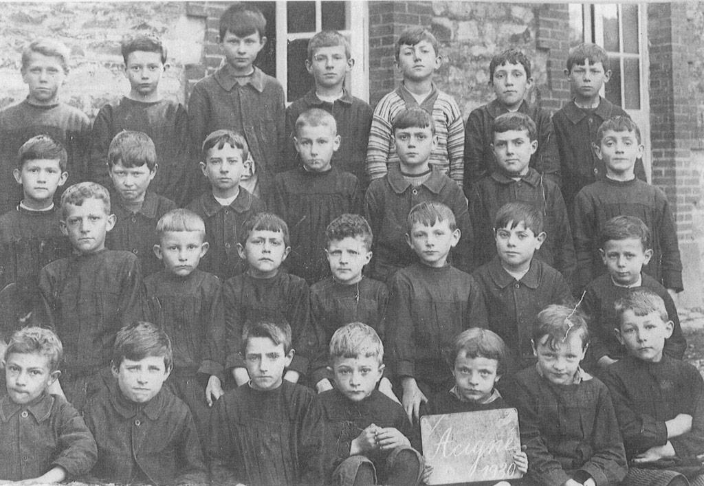 Les garçons de l'école publique d'Acigné en 1930 (coll.part.).