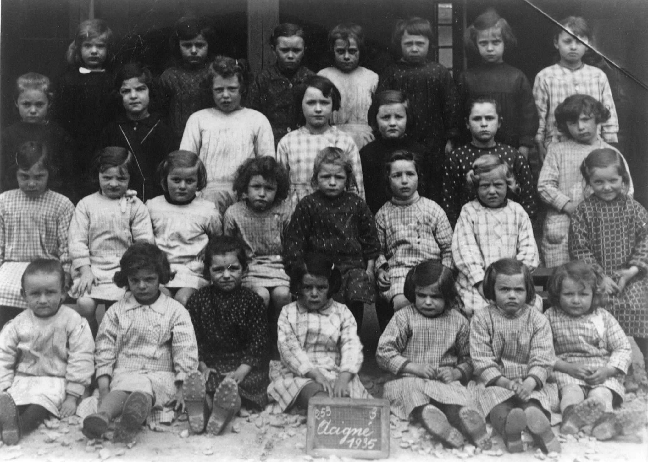 Filles de l'école privée en 1935